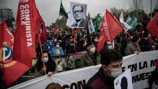 La oposición y víctimas de la dictadura chilena conmemoran el aniversario del golpe contra Allende