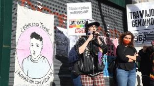 Marcharon a la Casa de la Provincia de Buenos Aires a 6 meses de la desaparición de Tehuel