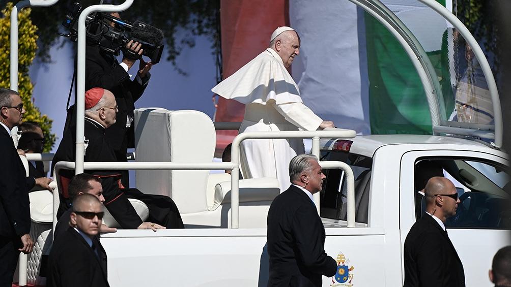 El Papa convocó a los líderes religiosos a mantener los vínculos y el diálogo entre los diferentes credos presentes en Hungría.