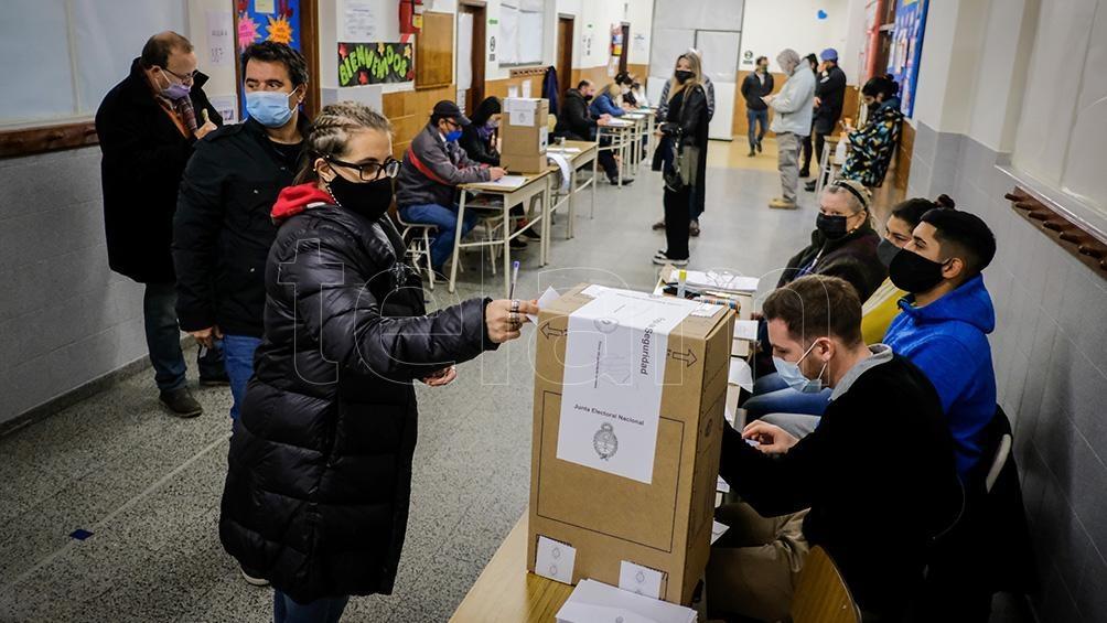 Hasta las 15 votó algo menos de la mitad del padrón. Foto:Diego Izquierdo.
