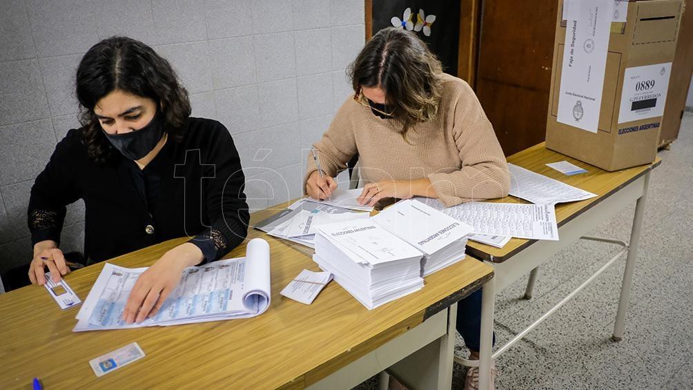 La iniciativa busca que los argentinos sepan a quienes están votando.