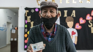 Don Electo, un santiagueño de 88 años que sigue dando lecciones de ciudadanía