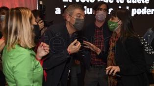 Los precandidatos del Frente de Izquierda llegaron al búnker con críticas a Milei