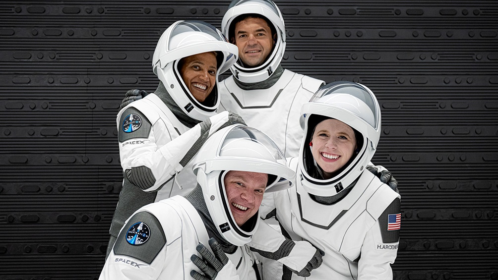 Jared Isaacman será el comandante de la misión. La tripulación se completa con Hayley Arceneaux, Chris Sembroski y Sian Proctor. Foto: Twitter SpaceX