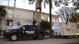 Pedirán 25 años de cárcel para policías acusados de torturas en la comisaría de Sunchales