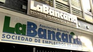 Bancarios se movilizan en rechazo de cierre de sucursales y otros reclamos