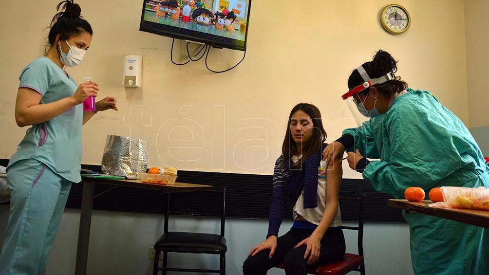 Luego de ser validado el registro, las y los voluntarios podrán contar con el Certificado de Vacunación COVID 19. Foto: Marcelo Ochoa