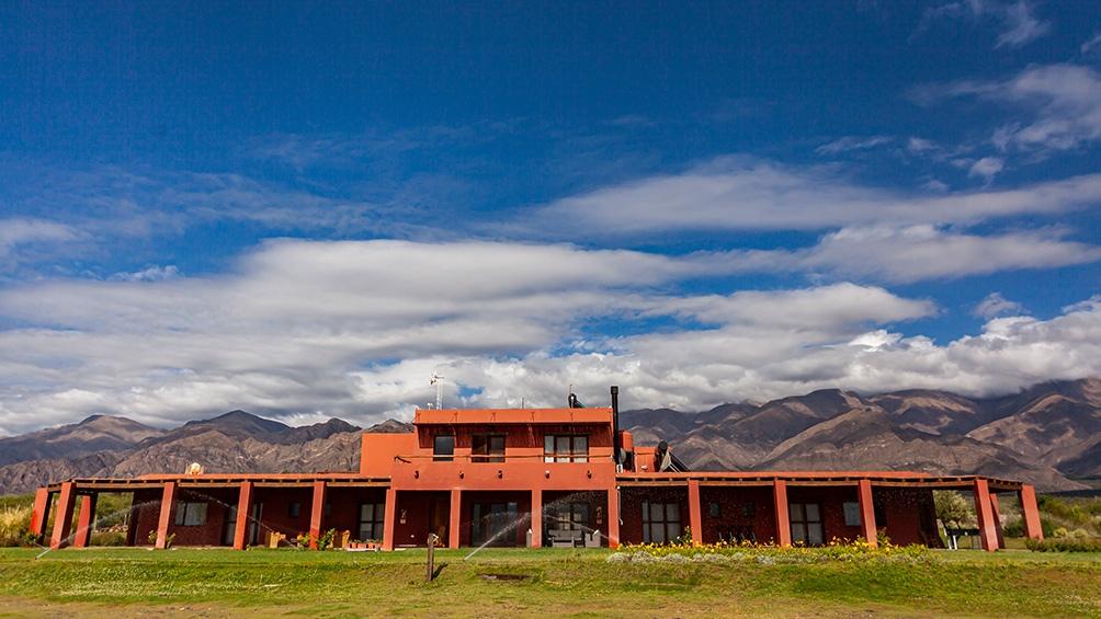 Aquellos turistas que quieran conocer la bodegas de la zona, pueden acceder desde Tafí a la Ruta del Vino de Tucumán.
