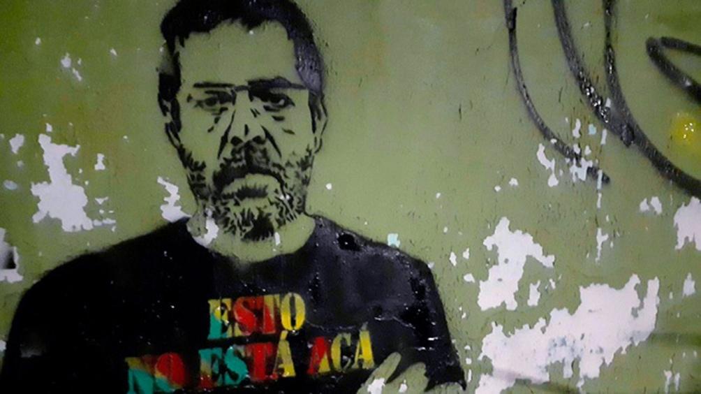 """""""Pintarlo por la ciudad es una forma de hacerlo presente, de contar cuánto lo extrañamos"""", cuenta Ucedo."""