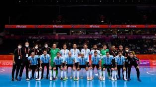 Argentina, de menor a mayor y con goleada, clasificó a cuartos en Lituania