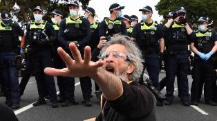 Disturbios y más de 200 detenidos en Australia en una protesta contra el confinamiento