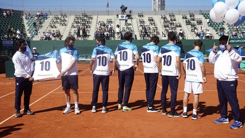 Argentina y el homenaje a Maradona, antes del duelo ante Bielorrusia. Foto:  Pepe Mateo-