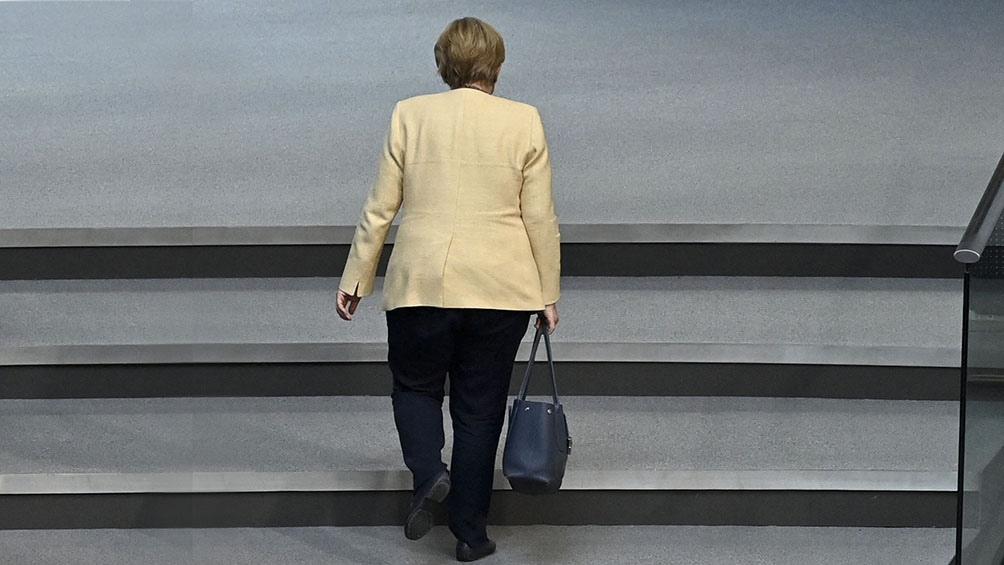Merkel se irá tras 16 años