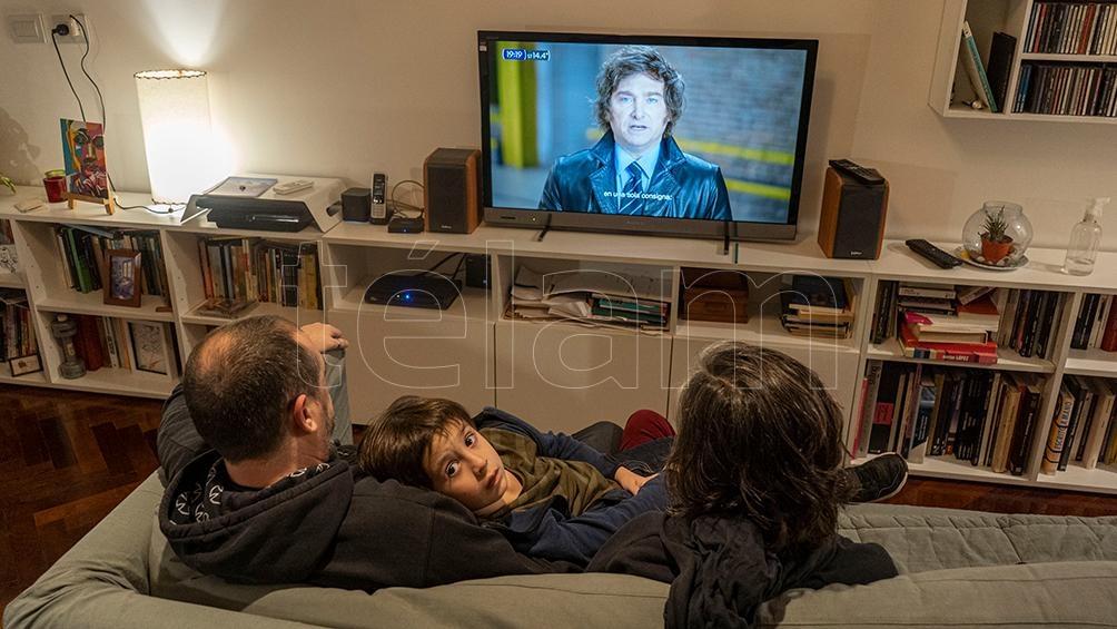 Milei saltó de la televisión a la política y se posicionó como tercera fuerza en la Ciudad de Buenos Aires. Foto: Pepe Mateos.