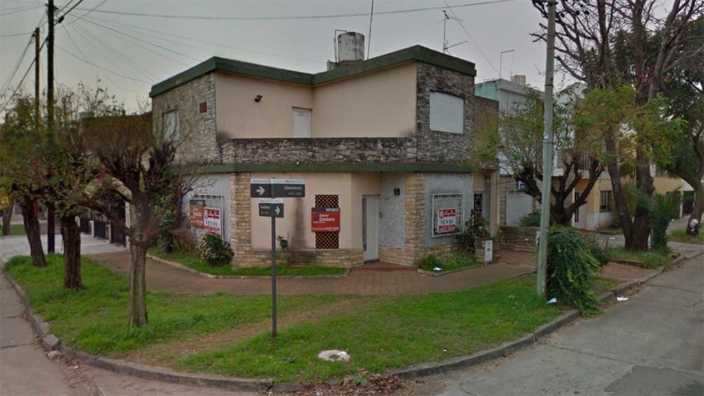 El crimen de Viviano (52) fue cometido a la 1.30 de la madrugada del sábado 18 de febrero de 2017, en la puerta de una casa situada en Directorio 593 de Haedo. Foto: Google street view