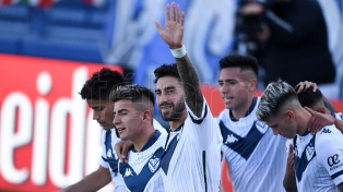 Vélez venció a Aldosivi con la conducción de los juveniles Almada y Orellano
