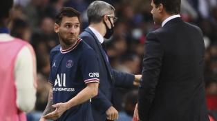 Messi chequeó su rodilla izquierda antes de ser reemplazado por Pocchettino
