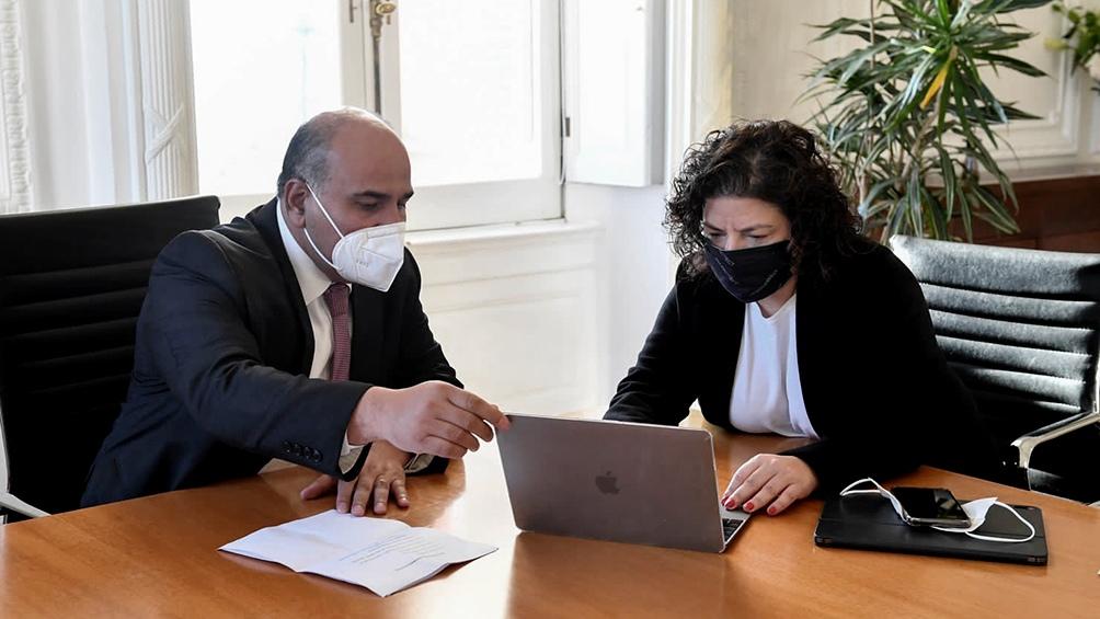 Manzur y Vizzotti mantienen una reunión de trabajo en la Jefatura de Gabinete.