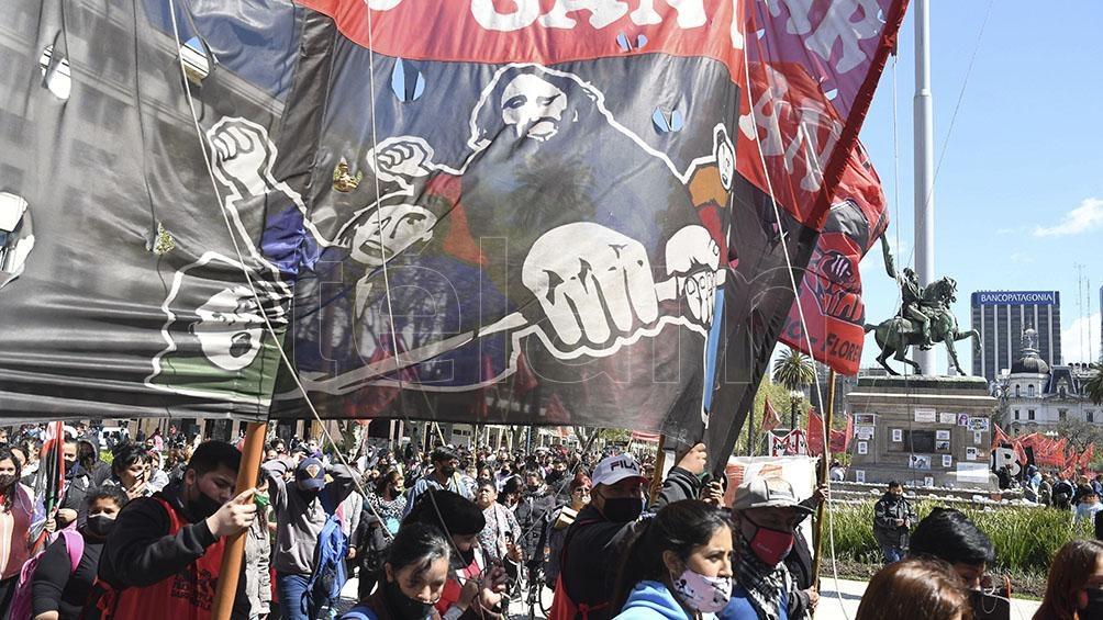 Organizaciones sociales se movilizan a Plaza de Mayo por un aumento del salario mínimo