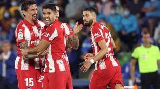 Luis Suárez convirtió dos goles y le dio la victoria al Atlético de Madrid de Simeone