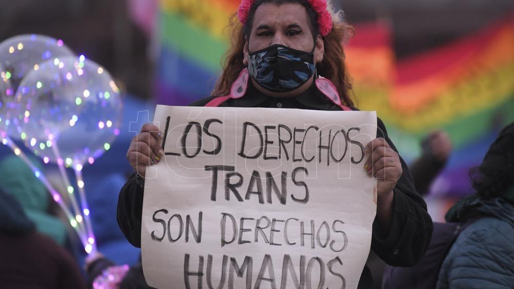 Reglamentaron la ley de promoción de empleo para personas travestis y transexuales