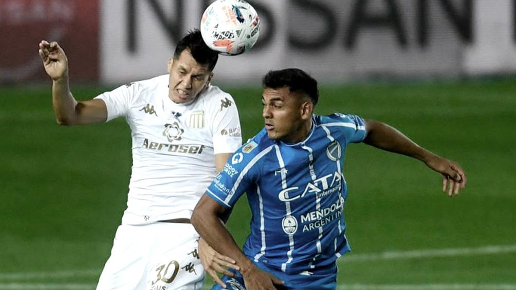 Racing juega frente a Godoy Cruz en el Kempes