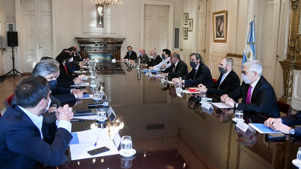 El encuentro estuvo encabezado por el titular de la cartera coordinadora de ministros, Juan Manzur.