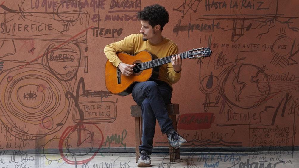 Nicolás Lapine, trompetista, guitarrista, autor y cantante.