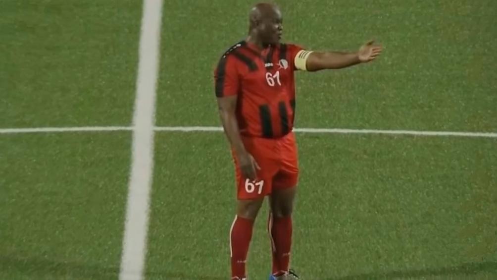 El vicepresidente de Surinam se puso de titular y fue goleado por el Olimpia de Troglio