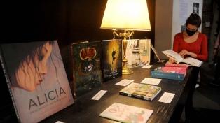 """""""Alicia en el país de las Maravillas"""" protagoniza una muestra con 70 ediciones de la obra"""