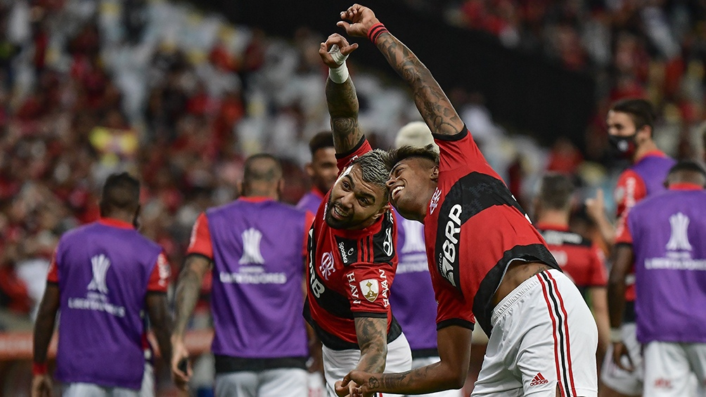 """Bruno Henrique y """"Gabigol"""" la dupla explosiva que tiene el """"Fla"""" (Twitter: @libertadores)."""