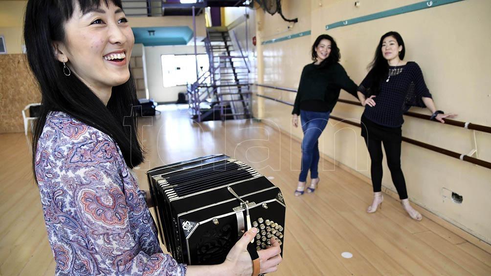 """Natsuki conoció el tango y la música de bandoneón a partir de """"Libertango"""" de Piazzolla. Foto: Raúl Ferrari/Télam."""
