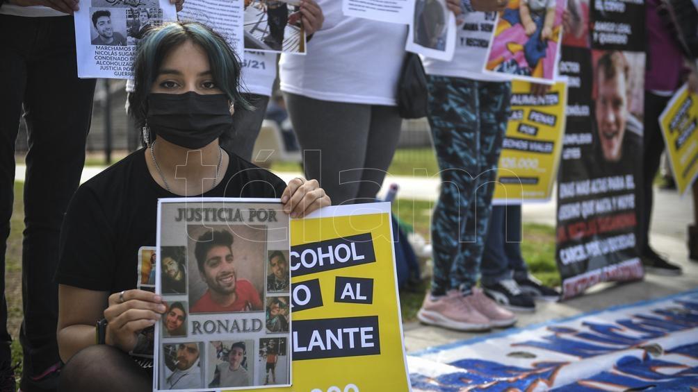 Los manifestantes tabién reclamaron la prohibición de picadas. (Foto: Carreira Victor)