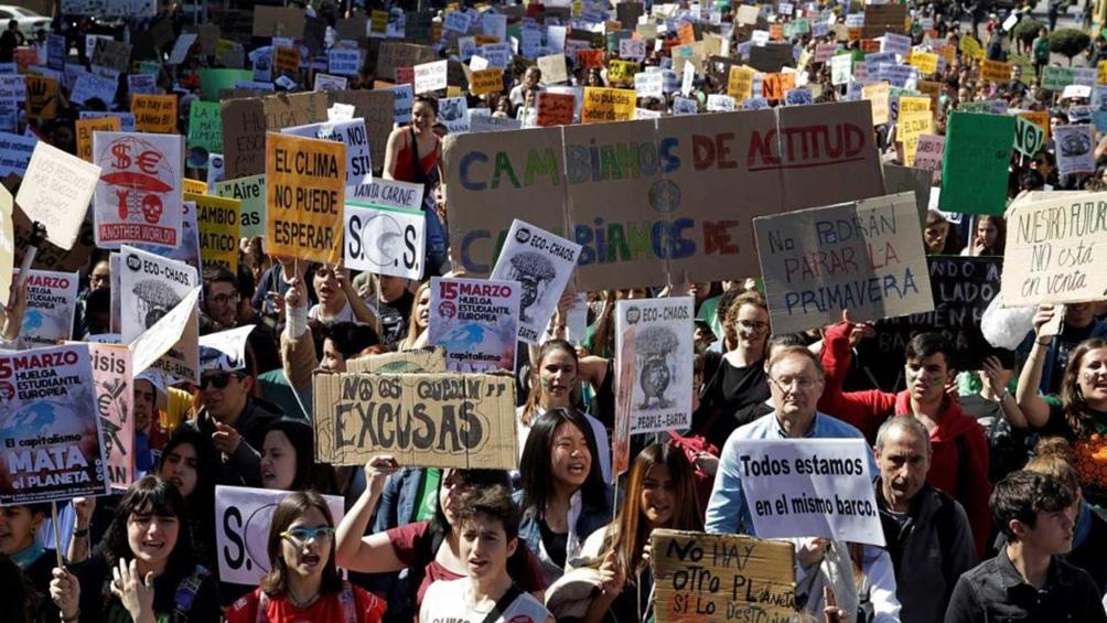 ITALIA: Miles de jóvenes marcharon por el clima mientras preparan la visita de Greta Thunberg