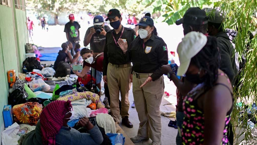 FRONTERA CON EEUU: Migrantes haitianos rechazan abandonar el campamento en México
