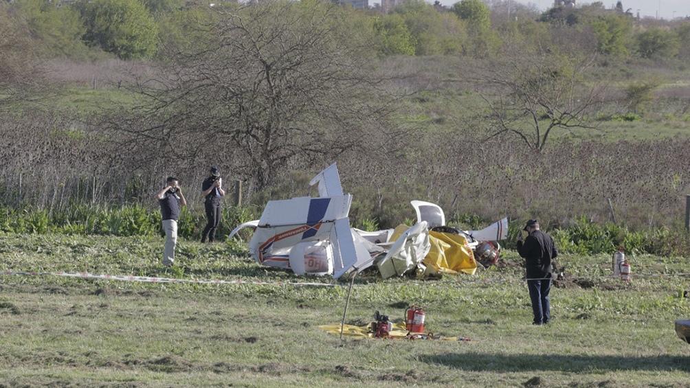 Las dos personas que se encontraban entre los restos del avión habían fallecido en el acto. Foto: Leo Vaca