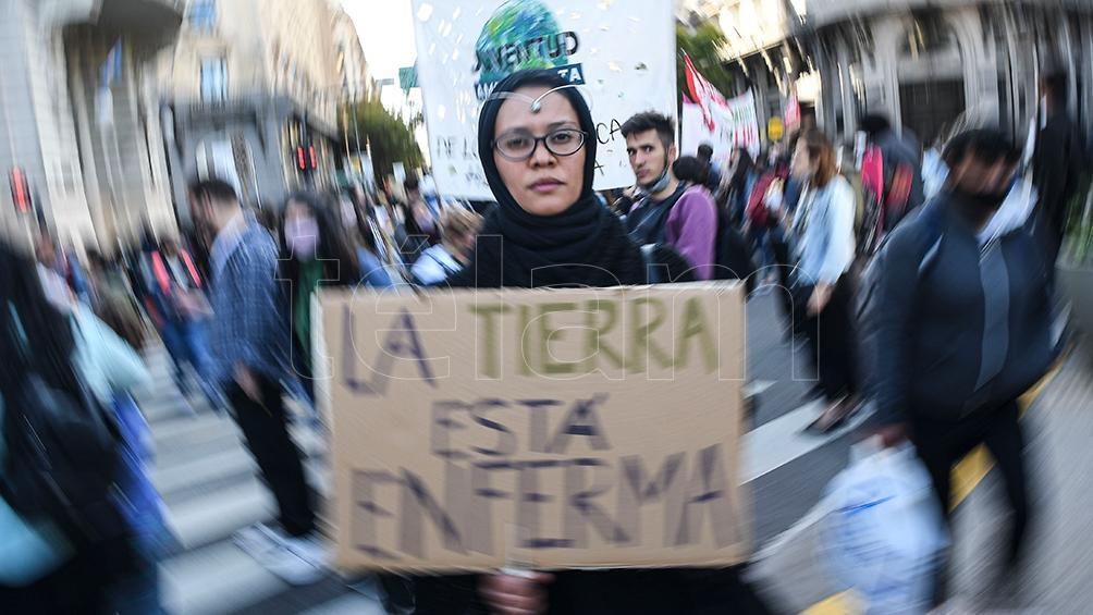 Los jóvenes se movilizaron contra el cambio climático y exigieron medidas urgentes