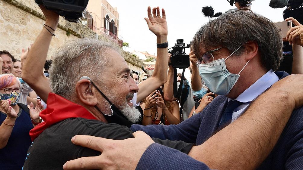 """""""Seguiré peleando"""", dijo Puigdemont en el primer acto público tras ser liberado"""