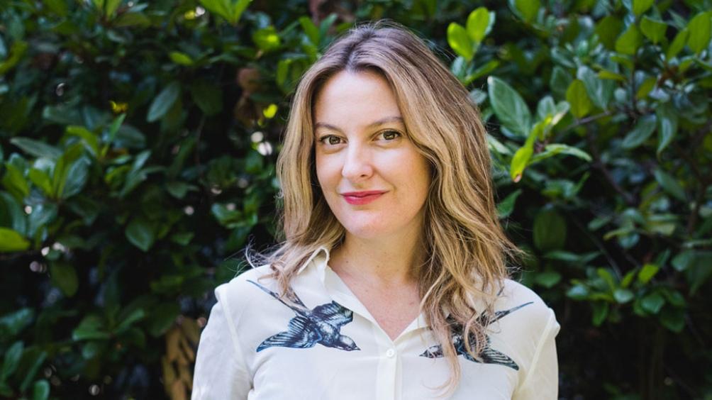 Constanza Michelson es psicóloga por la Universidad Diego Portales (Chile) y Magíster en Psicoanálisis.