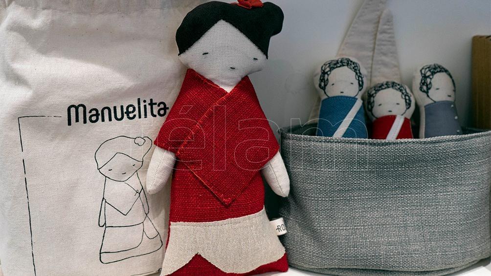 La muñeca de trapo de Manuelita Rosas, icónica obra de Prilidiano Pueyrredon. Tienda del Bellas Artes.