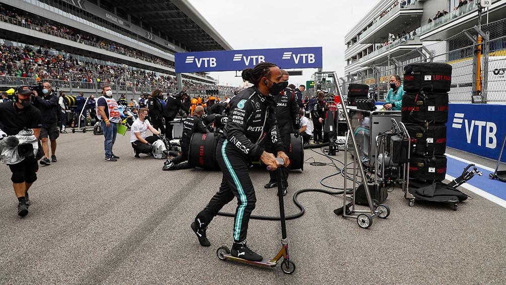 Hamilton hizo el mejor tiempo, pero Bottas largará primero