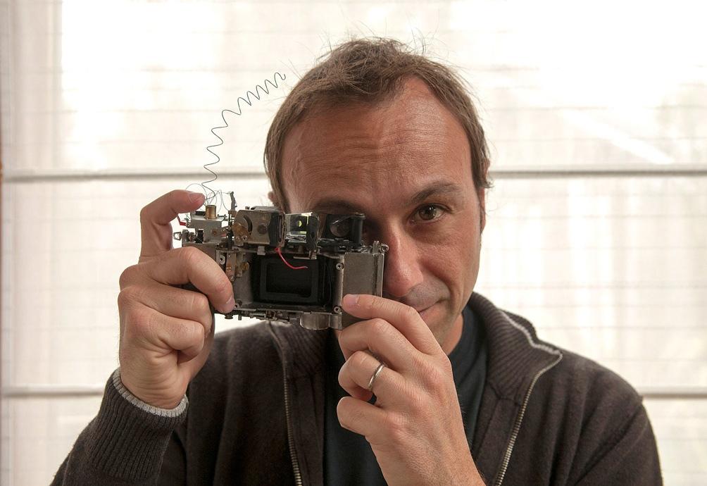 """Pablo Bernasconi sacó este mes el libro álbum """"Para mover el mundo""""."""