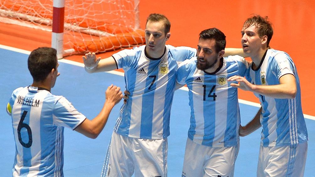Taborda festeja con sus compañeros el pase a semifinales.