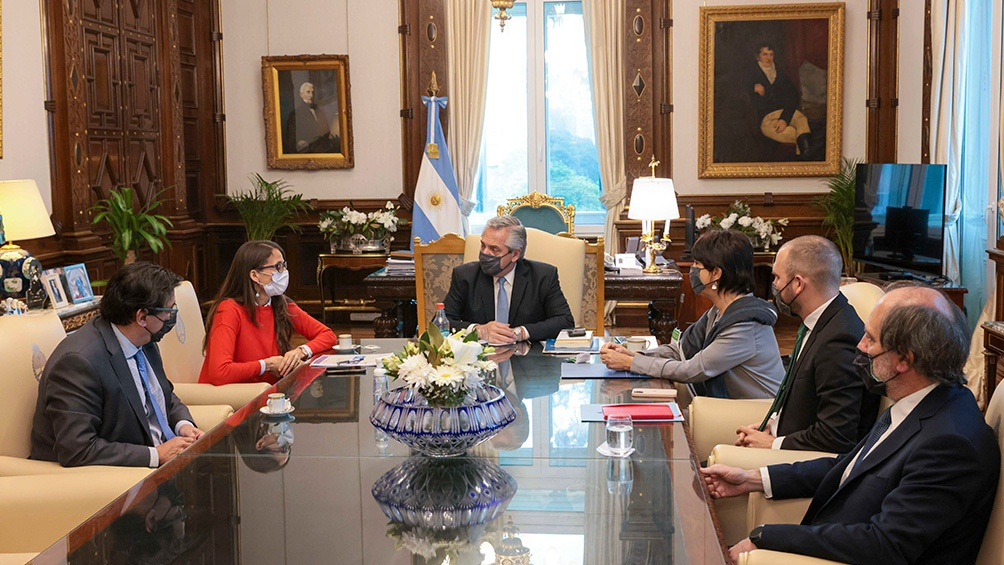 La reunión en la que Gómez Alcorta, Moroni y Marcó del Pont compartieron los alcances del programa con el presidente Alberto Fernández.