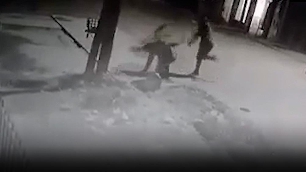 Murió el ladrón golpeado en Moreno y sus dos agresores quedaron presos