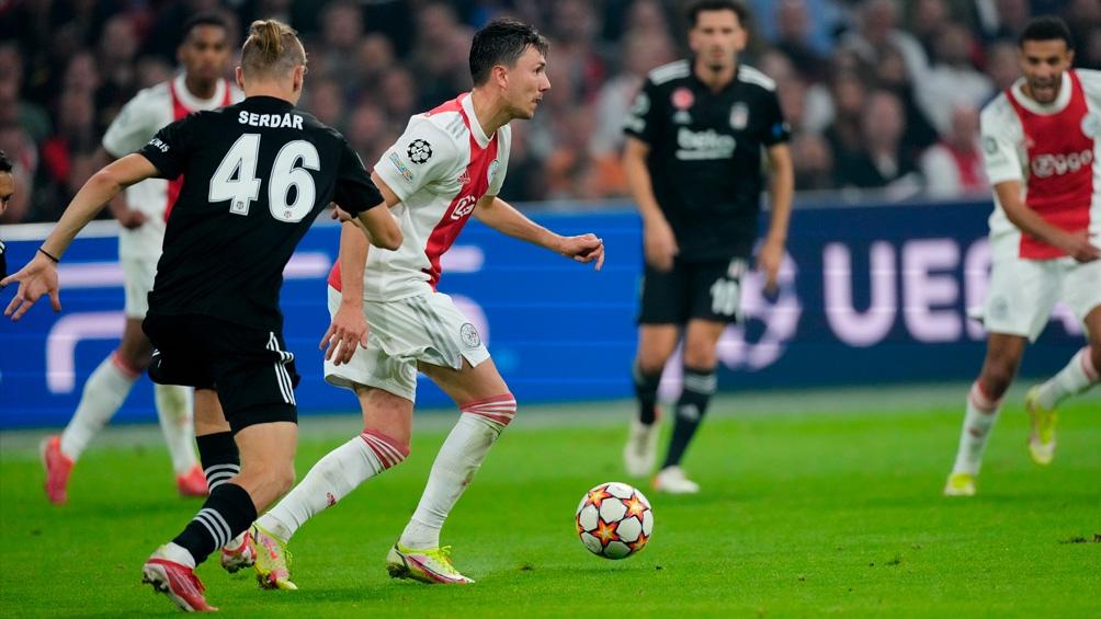 Ajax ganó como local ante el Besiktas. Foto: @AFCAjax