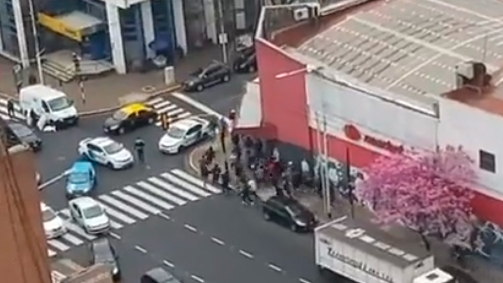 Casi 20 detenidos tras un enfrentamiento de dos facciones de la barra de Independiente
