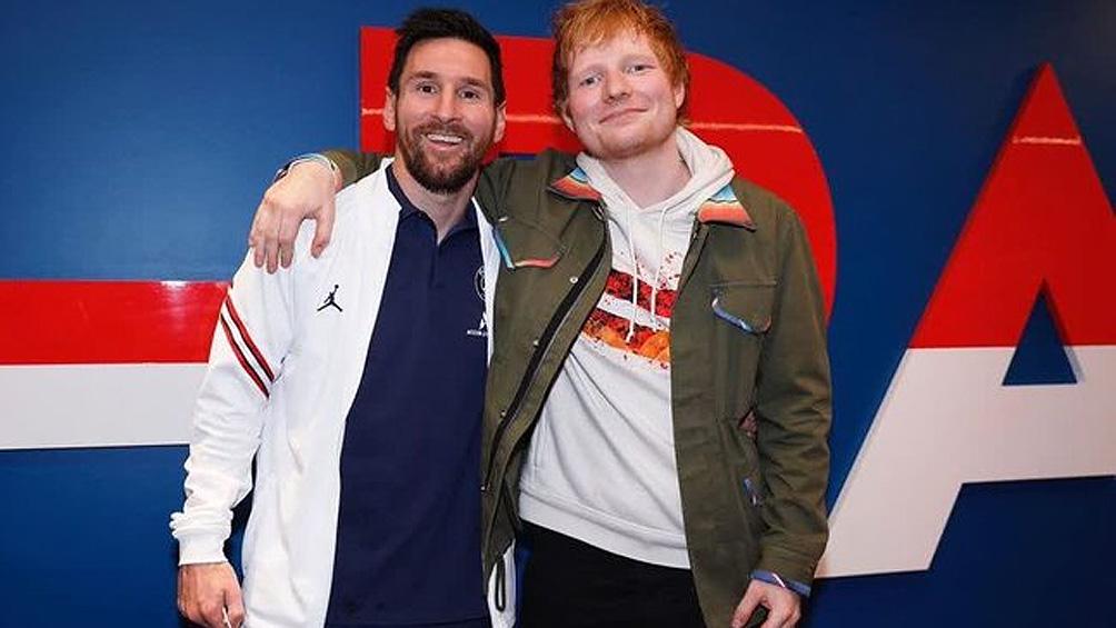 Messi recibió la visita del cantante Ed Sheeran en la práctica del PSG