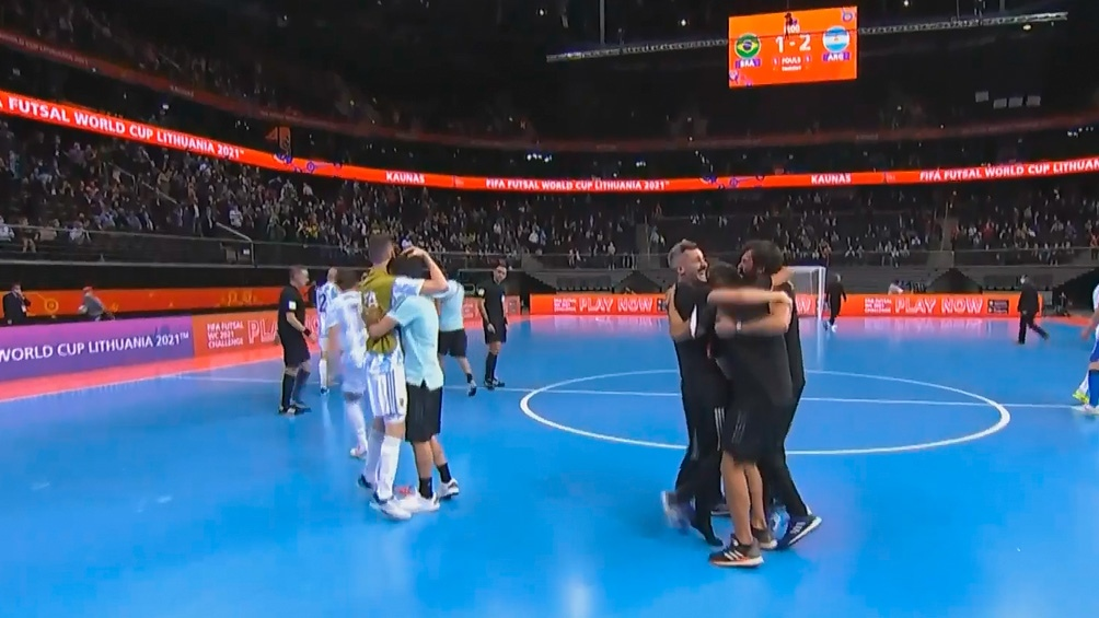 Argentina venció 2 a 1 a Brasil y disputa su segunda final seguida en Copa del Mundo