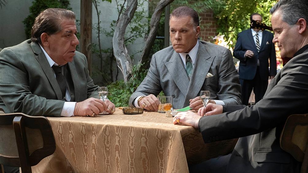 Ray Liotta (centro) es otro de los actores icónicos en los filmes sobre la mafia.